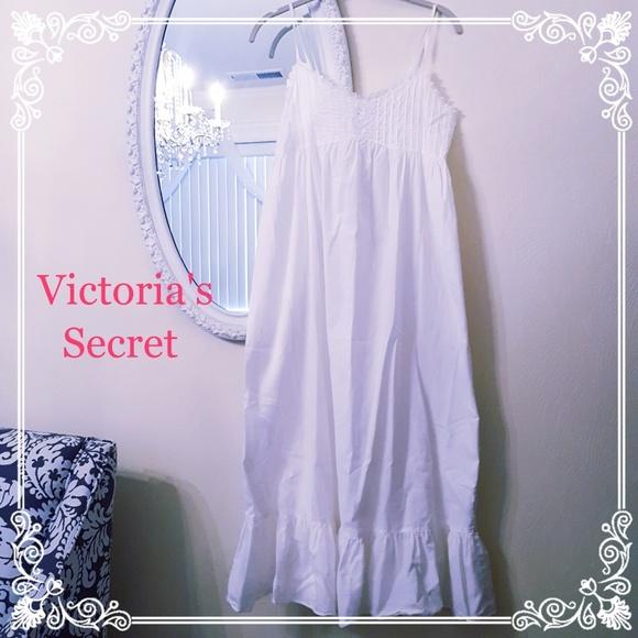 Victoria s Secret Cotton Nightgown. M 5b78ac363c984492061d0a95 648cc9858
